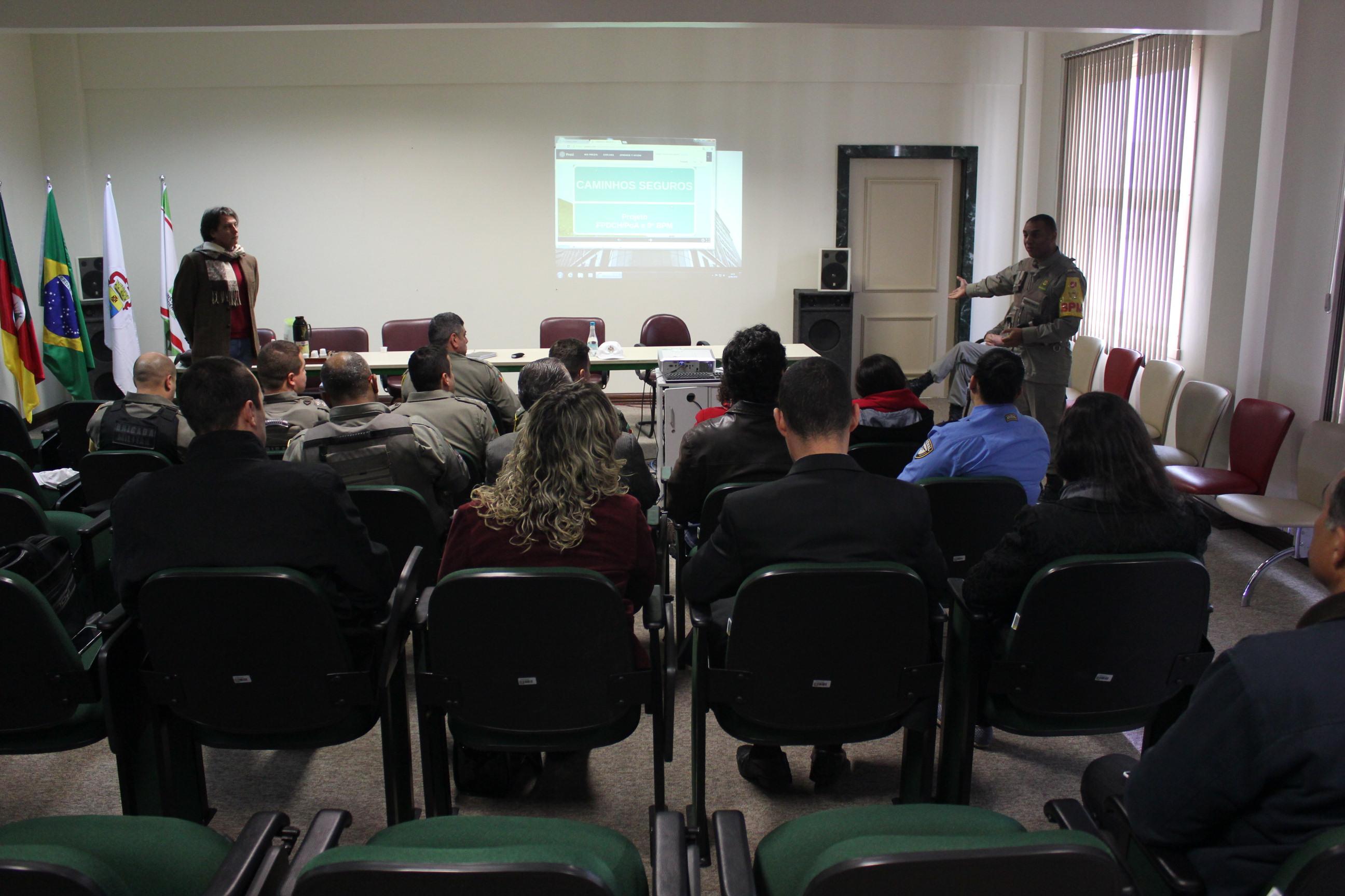 """Reunião sobre o projeto """"Caminhos Seguros"""""""
