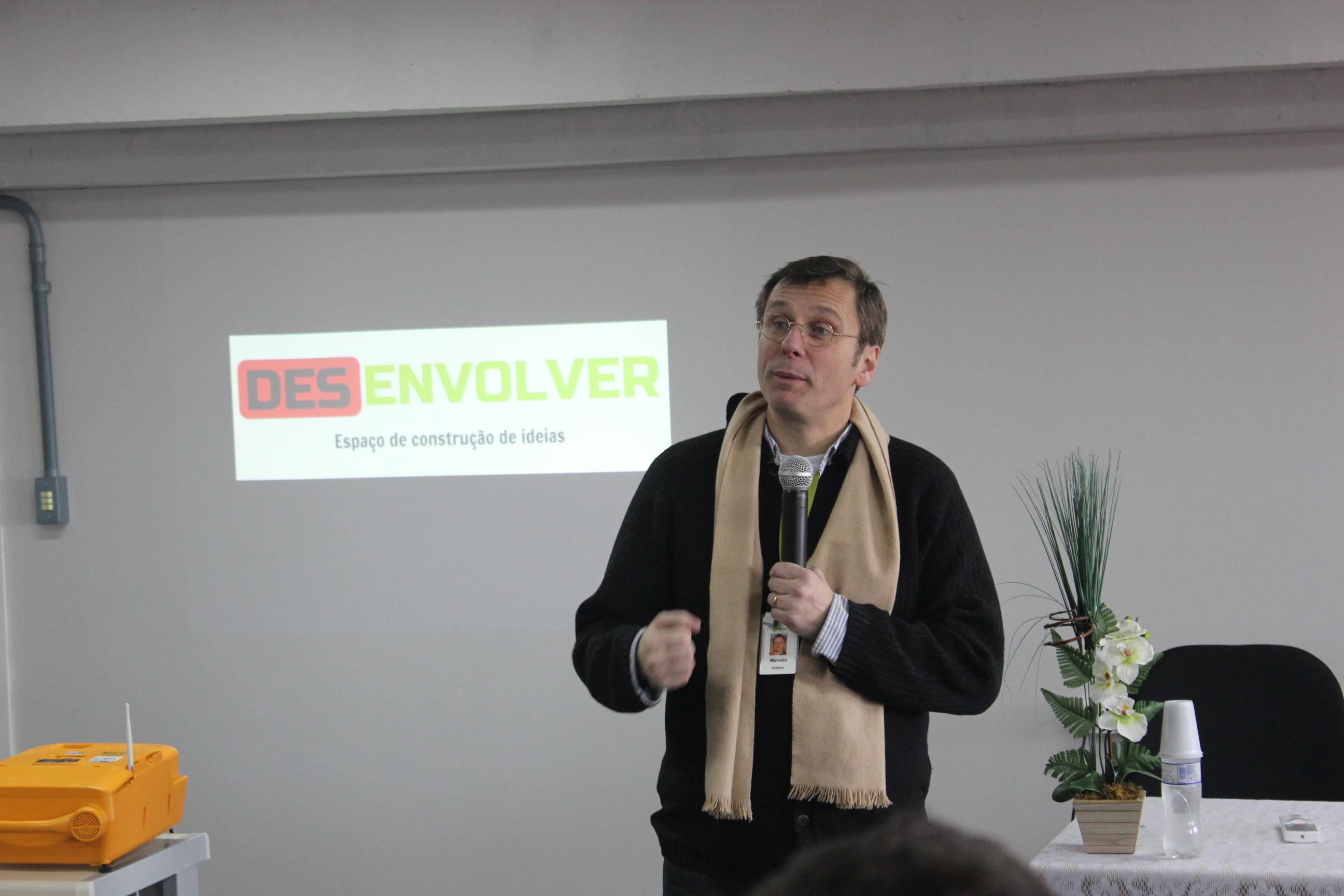 Abertura do evento realizada pelo diretor-geral do campus, Marcelo Schmitt