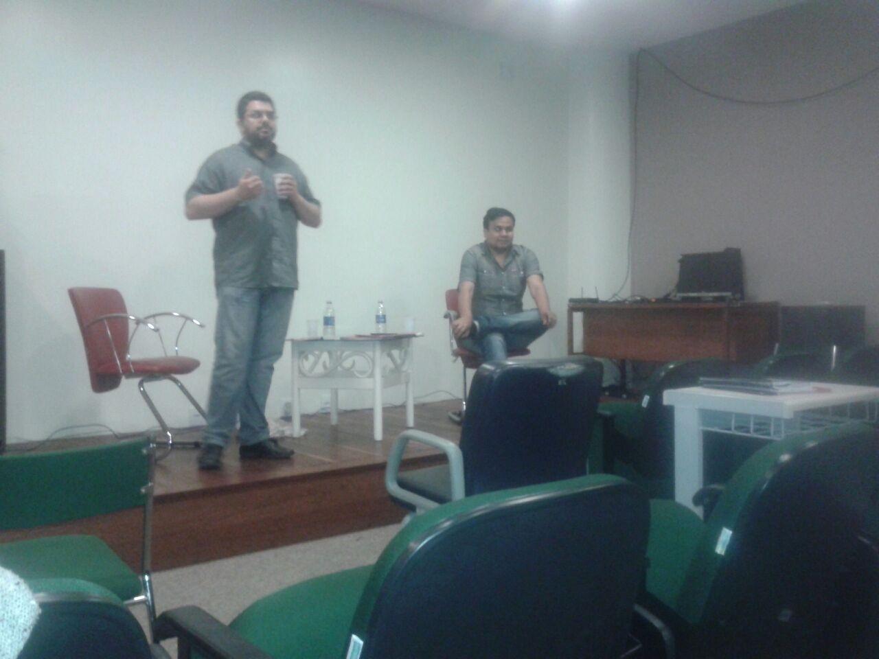 foto-2-guilherme-brandt-de-oliveira-falando-a-comunidade-do-campus-poa